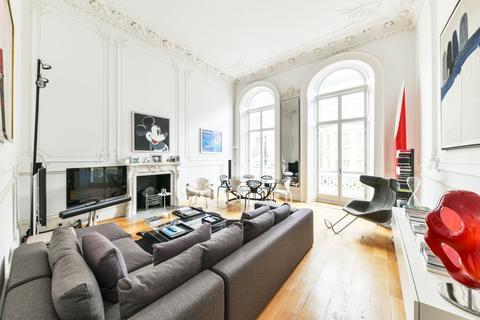3 bedroom apartment to rent - Charles Street, Mayfair, London, W1J