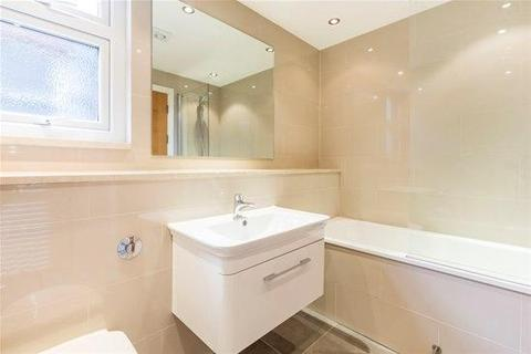 2 bedroom flat to rent - King Edwards Gardens, London, W3