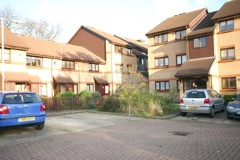 2 bedroom apartment for sale - Mortimer Drive, Enfield, Middlesex, EN1