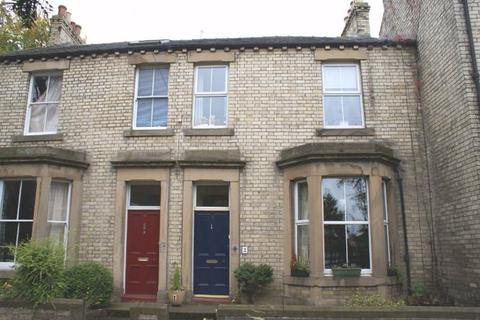 3 bedroom terraced house to rent - Carlisle Terrace, Hexham