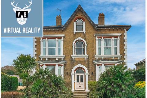 1 bedroom apartment to rent - Sandringham House, Cowes