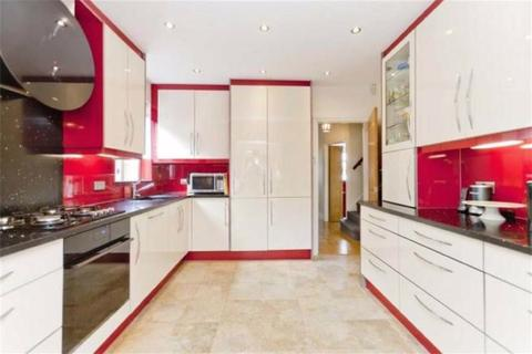 4 bedroom semi-detached bungalow to rent - Sidney Road, Harrow, Middlesex