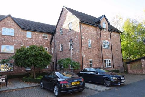 2 bedroom flat to rent - Swallow Court, Lacey Green, WILMSLOW