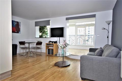 1 bedroom flat to rent - Pepper Street, London, E14 9RP