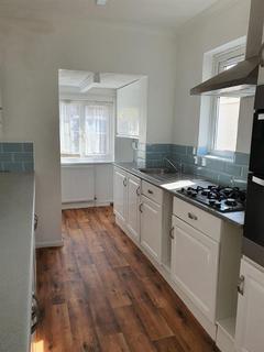 3 bedroom semi-detached house to rent - Portland Crescent, Stanmore, HA7 1NB