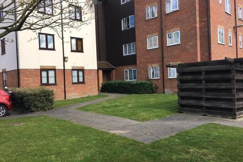 2 bedroom flat to rent - Vicars Bridge , HA0