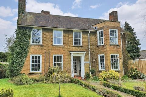 4 bedroom detached house for sale - Watton
