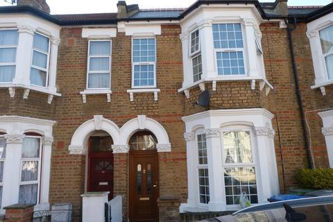 5 bedroom terraced house to rent - Huddlestone Road, Willesden, London