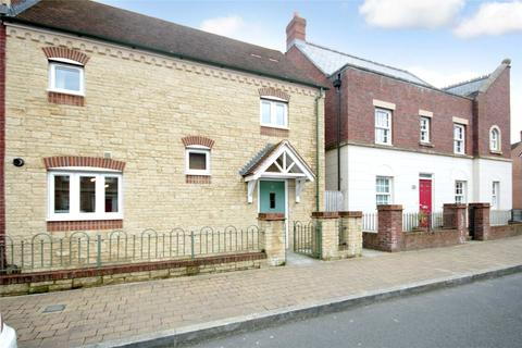3 bedroom semi-detached house to rent - Leaze Street, Wichelstowe, Swindon, Wiltshire, SN1