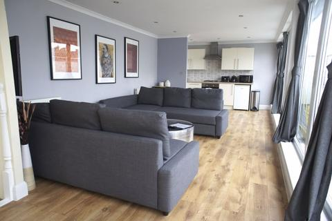 2 bedroom apartment to rent - Turville Street, London