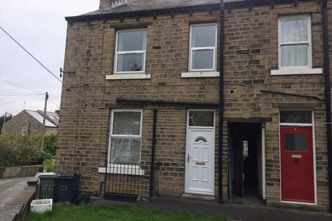 2 bedroom terraced house - Clement Street, Huddersfield