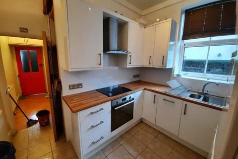2 bedroom ground floor flat to rent - Sulgrave Road, Hammersmith