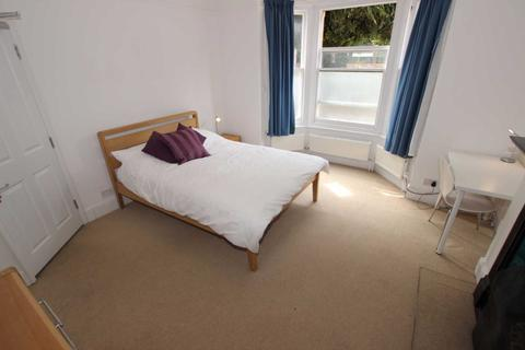 1 bedroom house share to rent - Tilehurst Road   Room, Reading