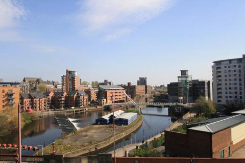 2 bedroom apartment to rent - ST JAMES QUAY, BREWERY WHARF, LEEDS, LS10 1HG