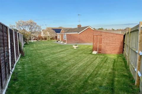 3 bedroom detached bungalow for sale - Downs Way, Sellindge, Kent