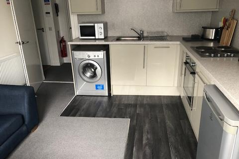 2 bedroom flat to rent - Ashvale Place, City Centre, Aberdeen, AB10 6PX