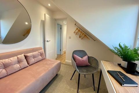 3 bedroom semi-detached house to rent - Short Term Victoria Way