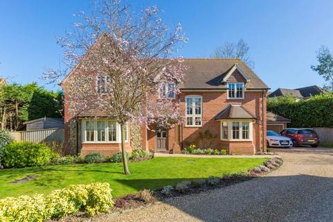 4 bedroom detached house to rent - Wheelers Close, High Wycombe