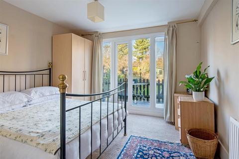 2 bedroom flat to rent - Hillfield Road, West Hampstead, London NW6