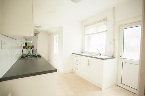 4 bedroom house share to rent - Aynsley Road, Shelton, ST4