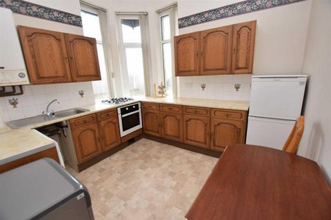 2 bedroom flat to rent - Carlton Court,  Colne