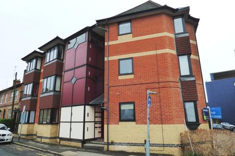 1 bedroom flat to rent - Priors Court, Reading
