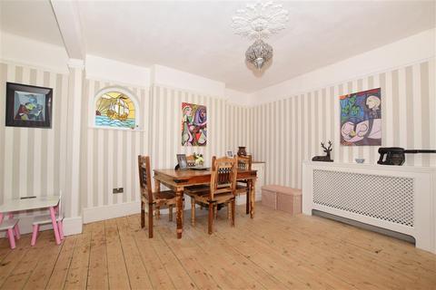 4 bedroom semi-detached house for sale - Howard Road, Broadstairs, Kent