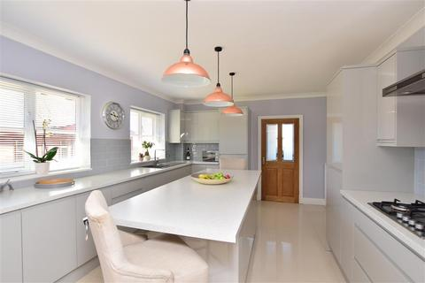 5 bedroom detached house for sale - Radfall Road, Whitstable, Kent