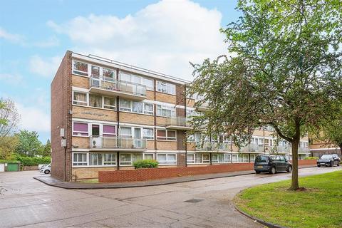 3 bedroom apartment to rent - Willesden Lane, NW2
