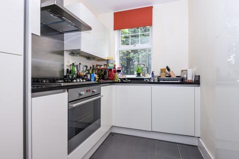 2 bedroom apartment to rent - St. Mildreds Road Lee SE12