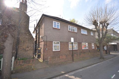 2 bedroom flat to rent - Colomb Street London SE10