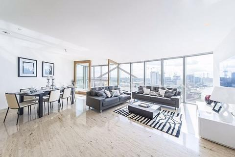 2 bedroom apartment to rent - The Tower, One St George Wharf, London