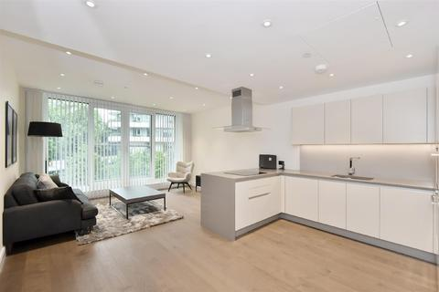 2 bedroom flat for sale - Altissima House, Chelsea Vista, Battersea SW11