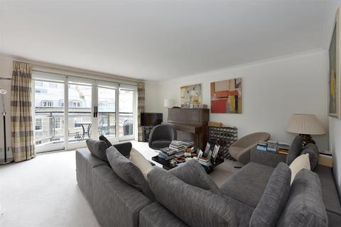 2 bedroom flat to rent - Brooks Mews, Mayfair
