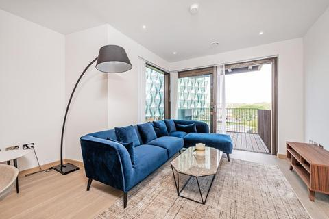1 bedroom flat to rent - Legacy Building, Embassy Gardens, SW11 7AY