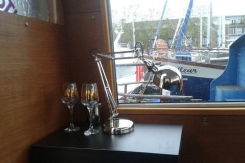 1 bedroom houseboat for sale - london