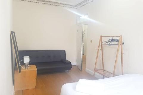 2 bedroom flat to rent - Craven Road, London, W2