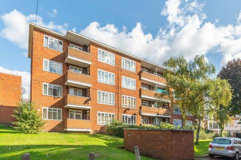 2 bedroom flat to rent - Farndale House, London, NW6