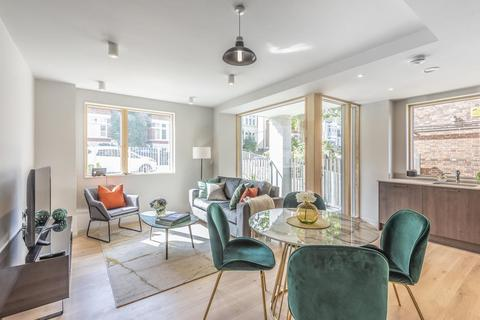 3 bedroom flat for sale - The Marziale, Knollys Road, Streatham