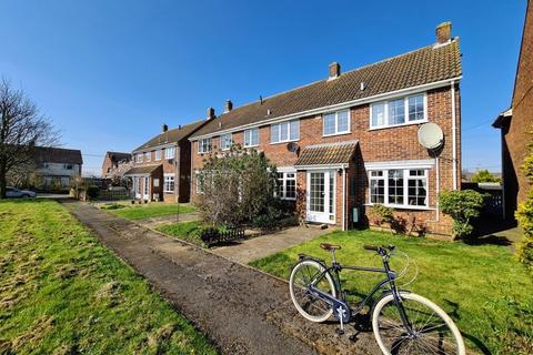 3 bedroom end of terrace house for sale - Berryfield Close, Melksham