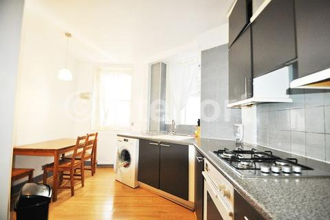 3 bedroom apartment to rent - Clarence Gate Gardens, Glentworth Street, London NW1