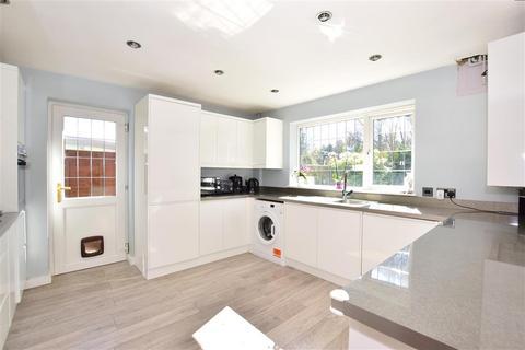 4 bedroom detached house for sale - Lenham Heath Road, Lenham Heath, Maidstone, Kent
