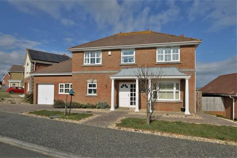 4 bedroom detached house for sale - Totland Bay, Isle of Wight
