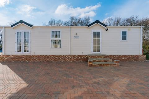 2 bedroom mobile home for sale - Old Willow Close