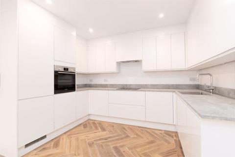 2 bedroom ground floor flat to rent - Jeddo Road W12