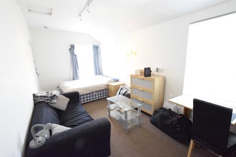 Studio to rent - East Street, Bedminster, Bristol, Somerset, BS3