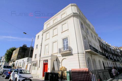 Studio to rent - Mornington Crescent, Camden NW1