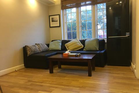 2 bedroom flat for sale - Mortimer Crescent, Kilburn Park, Hampstead, London NW6