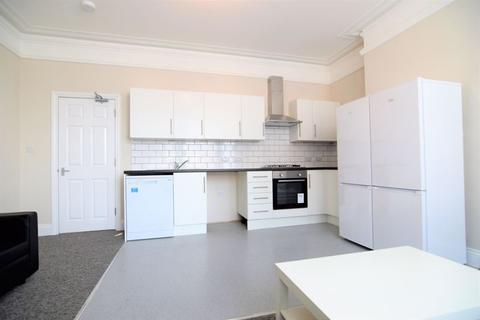 Mixed use to rent - Gladstone Terrace, Brighton