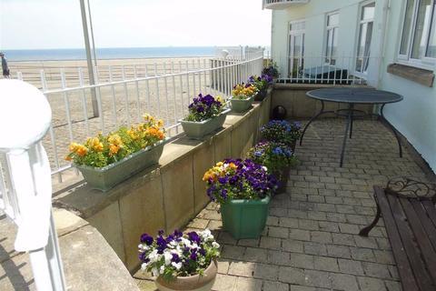 2 bedroom apartment - Ocean Crescent, Marina, Swansea